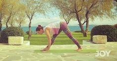 Η forest Yoga instructor, Αφροδίτη Πατρικίου, μας δείχνει με απλές κινήσεις πώς θα νιώσουμε ευεξία. Είναι απλό και μπορείς να το κάνεις ακόμα και στο σαλόνι του σπιτιού. Βάλε το βίντεο να παίζει κι αντέγραψε τις κινήσεις. Καλή επιτυχία. YOGA 05 JOY S3 from joy tvgreece on Vimeo.