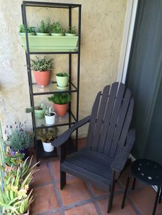 Balcony herb garden - a beautifully creative use of a small space...