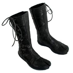 eeps! i've wanted tabi boots since i saw buckaroo Banzai!