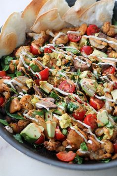 Tofu scrambled with roasted potatoes, tomatoes, mushrooms, avocado and drizzled with spicy cashew cream. Vegan Mexican Recipes, Vegetarian Recipes, Healthy Recipes, Tofu Breakfast, Hash Recipe, Tofu Scramble, Cashew Cream, Fries In The Oven, Roasted Potatoes