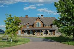 Bozeman Montana Luxury Homes in Wylie Creek. Photo Taunya Fagan