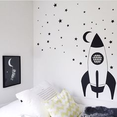 Double tap if you have a little one who loves space ships and/ or robots.  The robot print on the wall in @frugodager son's room is now available in the shop☺️. Today I finished painting my oldest 'little' one's room, and I will share my (our) ideas for this makeover on the blog next week. Now, feet up high and some TV with my hubby. Have a lovely evening ***** #snedesign #prettyandprintable #robotprint #wallart #kidsroomdecor #kidsroom #spaceship #scandi #scandinavianinterior #barnrums...