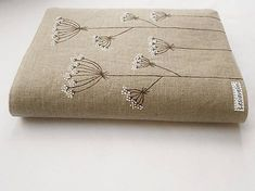 Obal na knihu - Kvitnúca tráva (natur 100% ľan) / Lesiavelin - SAShE.sk - Handmade Papiernictvo Continental Wallet, Gift Wrapping, Gifts, Gift Wrapping Paper, Presents, Wrapping Gifts, Favors, Gift Packaging, Gift