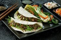Our Korean Beef Tacos is carefully crafted to make your next meal time extraordinary. Corn Tortilla Recipes, Asian Beef, Asian Recipes, Ethnic Recipes, Yummy Snacks, Chinese Food, Cooking Time, Family Meals, Green Beans