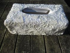 Hoes om een tissue box, kant