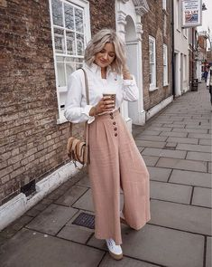 46 Stylish Outfits For Moms Women Fashion Trends Everyday Outfits fashion Moms outfits Stylish trends Women Mom Outfits, Everyday Outfits, Stylish Outfits, Spring Outfits, Fashion Outfits, Fashion Trends, Casual Wedding Outfits, Autumn Outfits, Outfit Summer