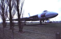 Avro Vulcan XJ782 became the short-lived gate guardian at RAF Finningley after decommissioning in 1982. But it wasn't long before the aircraft had been towed to the dump, and was unceremoniously scrapped in 1988.