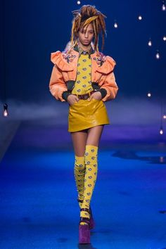View the complete Marc Jacobs Spring 2017 collection from New York Fashion Week.