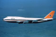 SAA History - Photo's here please. Boeing 747 400, Boeing Aircraft, Passenger Aircraft, Johannesburg City, South African Air Force, Commercial Aircraft, Civil Aviation, History Photos, Africa Travel