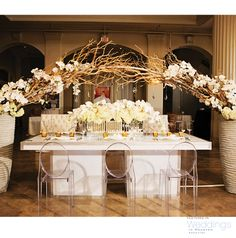 Mix of modern and rustic style decor for weddings by Plants N' Petals