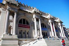Il Metropolitan Museum of Art chiamato anche Met, ha una collezione permanente del Met con più di due milioni di opere d'arte.