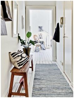 Ideas sencillas para sacar partido a tu pasillo... ¿Qué opción os gusta más?