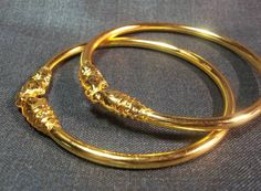 Gold Bangles Design, Gold Earrings Designs, Gold Jewellery Design, Gold Jewelry, Silver Bangle Bracelets, Gold Necklace, American Diamond Jewellery, Indian Jewelry, Antique Jewelry