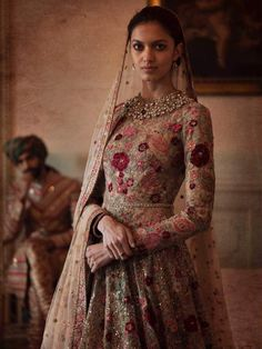 Sabyasachi Mukherjee Spring/Summer Couture Photography by Tarun Khiwal Desi Wedding Dresses, Asian Wedding Dress, Pakistani Wedding Outfits, Bridal Outfits, Pakistani Dresses, Indian Dresses, Indian Outfits, Bridal Dresses, Indian Clothes