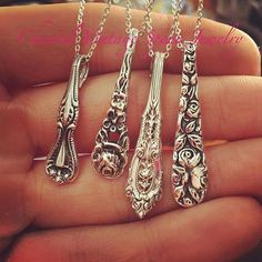 Gift ideas from heirloom silverware ideas … - DIY Schmuck Inspiration Silver Spoon Jewelry, Fork Jewelry, Silverware Jewelry, Jewelry Art, Beaded Jewelry, Vintage Jewelry, Handmade Jewelry, Jewelry Design, Silver Spoons