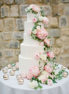 Fresh Flowers & Wedding Cakes, A Perfect Combination ~ peonies, garden roses and ivy , photography by Jose Villa