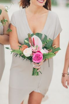 tropical bouquet - photo by Jessica Bordner Photography . Tropical Wedding Bouquets, Garden Wedding Dresses, Beach Wedding Flowers, Bridal Flowers, Hawaii Wedding, Floral Wedding, Tropical Weddings, Florida Keys Wedding, Summer Weddings