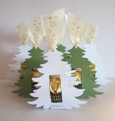 Metabes - Home, Craft and Diy Cardboard Christmas Tree, Christmas Paper Crafts, Christmas Decorations, Christmas Makes, Noel Christmas, Xmas, Christmas Ornaments, Christmas Treats For Gifts, Christmas Gift Wrapping