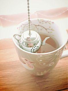 Love this cute teapot tea infuser in a charming, Pip Studio mug.