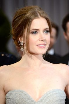 Amy Adams: What Fans Should Know - Celebrities Female Natural Wedding Makeup, Wedding Beauty, Natural Makeup, Bridal Makeup, Amy Adams Oscar, Amy Adams Style, Actress Amy Adams, Natural Redhead, Drop Dead Gorgeous