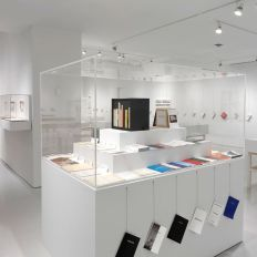 """""""ED RUSCHA Books & Co."""" Installation view. (Photo by Rob McKeever)"""