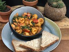 pasta met Boursin, spinazie en pikante kip