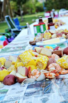 southern state of mind: Lowcountry Inspired: Shrimp Boil Recipe Crab Boil, Seafood Boil, Fish And Seafood, Shrimp Boil Party, Low Country Boil, Boiled Food, Down South, Southern Recipes, Shrimp Recipes