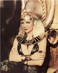 Claudette Colbert in a publicity photo for Cleopatra. - Claudette Colbert in a publicity photo for Cleopatra - Old Hollywood, Hollywood Stars, Classic Hollywood, Hollywood Actresses, Hollywood Glamour, Hollywood Divas, Hollywood Photo, Hollywood Model, Hollywood Icons