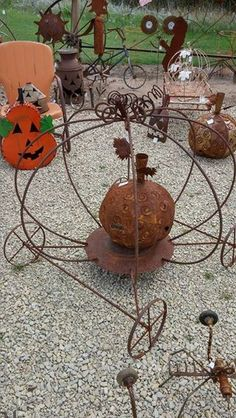 11145105_1124256160922177_6332490221549755927_n.jpg (320×568) Pumpkins, Vintage, Recycle, Upcycle metal garden art at www.goldncountrygifts.com & www.facebook.com/weluv2cre8