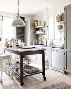 Shabby Chic Kitchen, Rustic Kitchen, Country Kitchen, New Kitchen, Vintage Kitchen, Kitchen Decor, Kitchen Ideas, Kitchen Industrial, Rustic Industrial