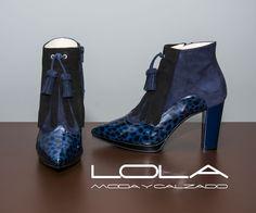 El color de este otoño es el azul, el de tus botines también.  Pincha este enlace para comprar tus botines en nuestra tienda on line:  http://lolamodaycalzado.es/otono-invierno-2016/828-botin-bicolor-sacha-london.html