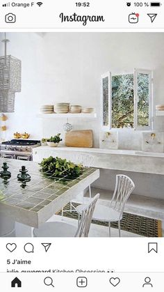Provence style is amazing for romantic and charming décor, a little bit rustic and a little bit vintage. We've rounded up cool Provence-inspired kitchen Kitchenette, Provence Style, Inexpensive Home Decor, Contemporary Interior Design, Modern Design, French Country Decorating, French Decor, Kitchen Styling, Beautiful Kitchens