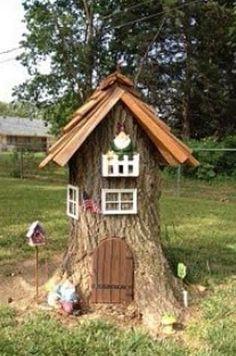What a cute tree stump. Now I wish I had a tree stump in my yard. What a cute tree stump. Now I wish I had a tree stump in my yard. Garden Crafts, Garden Projects, Diy Garden, Art Projects, Fairy Tree Houses, Fairy Doors, Gnome Garden, Fairies Garden, Garden Kids