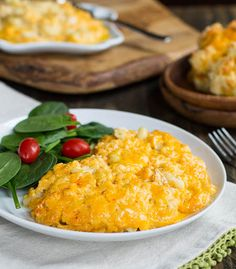 Tricia Yearwood's Slow Cooker Mac and Cheese- the cheesiest, creamiest ever! Tricia Yearwood's Slow Cooker Mac and Cheese- the cheesiest, creamiest ever! Crock Pot Food, Crockpot Dishes, Crock Pot Slow Cooker, Slow Cooker Recipes, Crockpot Recipes, Cooking Recipes, Pastas Recipes, Cheese Recipes, Recipies