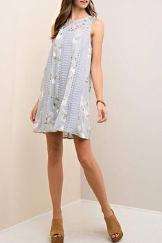 perfect entro spring dress lightweight and comfortable wedding guest