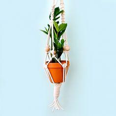 Macrame Plant Hanger by CraftJam | Project | Home Decor / Macrame | Kollabora