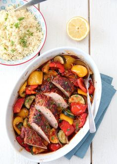 chili marinated pork with baked vegetables Pork Recipes, Cooking Recipes, Marinated Pork, Baked Vegetables, Couscous, International Recipes, Ratatouille, Pot Roast, Dinner Recipes