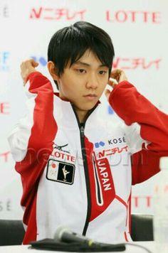 ゆづ Yuzuru HANYU 羽生結弦 Ice Skating, Figure Skating, Yuzuru Hanyu, Japanese Figure Skater, Olympic Champion, World Records, Olympics, Cool Pictures, Cute