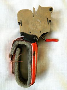 Vintage The Boyce Textile Knotter in Original Tin Tin, Vintage Items, Textiles, The Originals, Ebay, Cloths, Fabrics