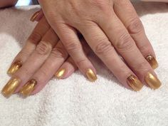 Golden hands with art