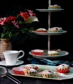 Muffin con fragole e cioccolato per accompagnare la vostra tazza di caffè filtro!!!!