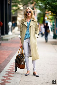 trench over polka dots & white pants #streetstyle #fashion
