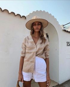 Wool Hat Outfit, Fedora Outfit, Outfits With Hats, Chic Outfits, Summer Outfits, Outfits For Mexico, Beige Outfit, Zara, Looks Street Style