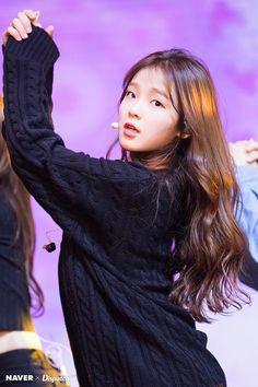 Seunghee Make Up Art, View Image, Girl Pictures, My Girl, Dreadlocks, Concert, Hair Styles, Beauty, Kpop