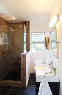 Tile shower / Bathroom