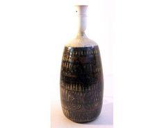 Norwegian ceramists Dagny and Finn Hald - Google Search Pottery, Google Search, Decor, Ceramica, Decoration, Pottery Marks, Ceramic Pottery, Decorating, Pots