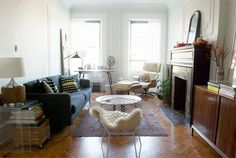 Brooklyn apartment inspiration from Manhattan Nest. Living Room Inspiration, Home Decor Inspiration, Design Inspiration, Manhattan Nest, Cute Living Room, Fireplace Mantle, Patio, Apartment Living, Home And Living