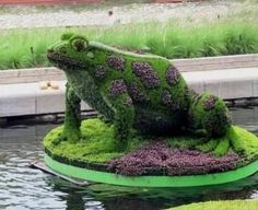 Relax and admire this amazing garden of topiary art. Its wonderful to see topiary animals in the garden. Here i m sharing some amazing photos of topiary garden. Montreal Botanical Garden, Botanical Gardens, Amazing Gardens, Beautiful Gardens, Garden Design Pictures, Topiary Garden, Topiaries, Design Jardin, Examples Of Art