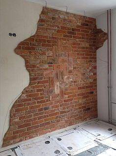 Kuvahaun tulos haulle loft wall betong and tiles Old Brick Wall, Faux Brick Walls, Brick Interior, Interior Walls, Break Wall, Loft Wall, Rustic Walls, Brickwork, Concrete Wall