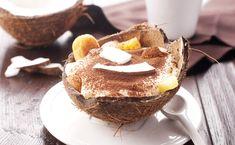 Tiramisu express mangue-coco : www.fourchette-et… Tiramisu Mango-Coco Express: www. Kinds Of Desserts, No Cook Desserts, Just Desserts, Flan, Hawaiian Dishes, Hawaiian Desserts, Hawaiian Recipes, Dessert Light, Sweets